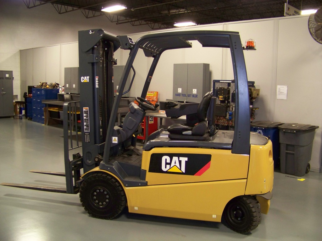 Caterpillar ep5000 electric pneumatic forklift review Motorized forklift