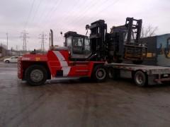 Kalmar DCF300 Lifting (2)